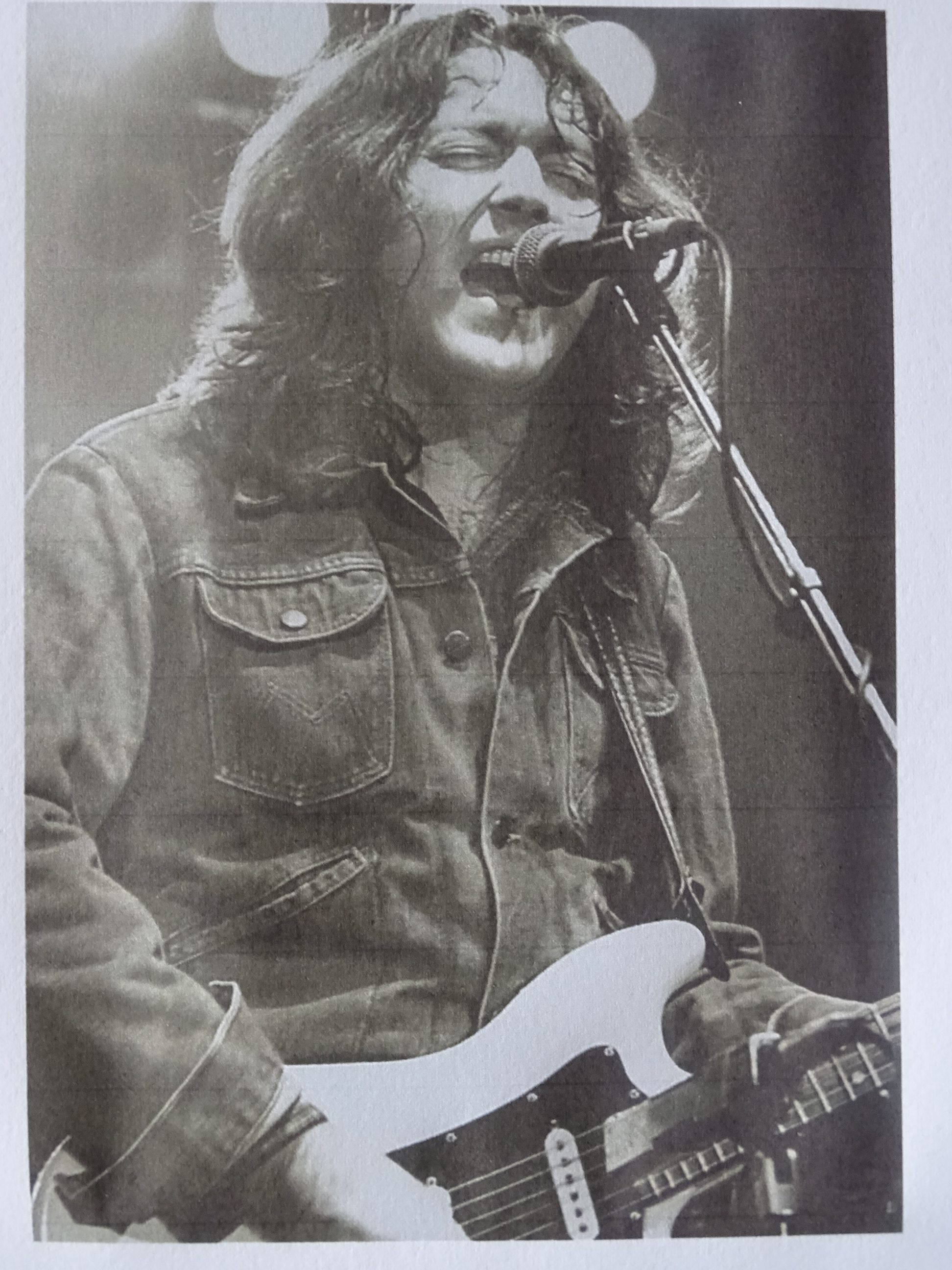 Rory Gallagher at Machester Apollo, 1982  (source: Cork City Library)
