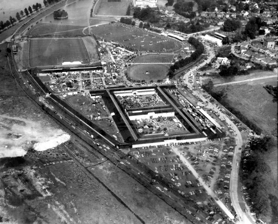 Aerial view of former Cork Showgrounds, Ballintemple, 1972 (source: Munster Agricultural Society Archives)