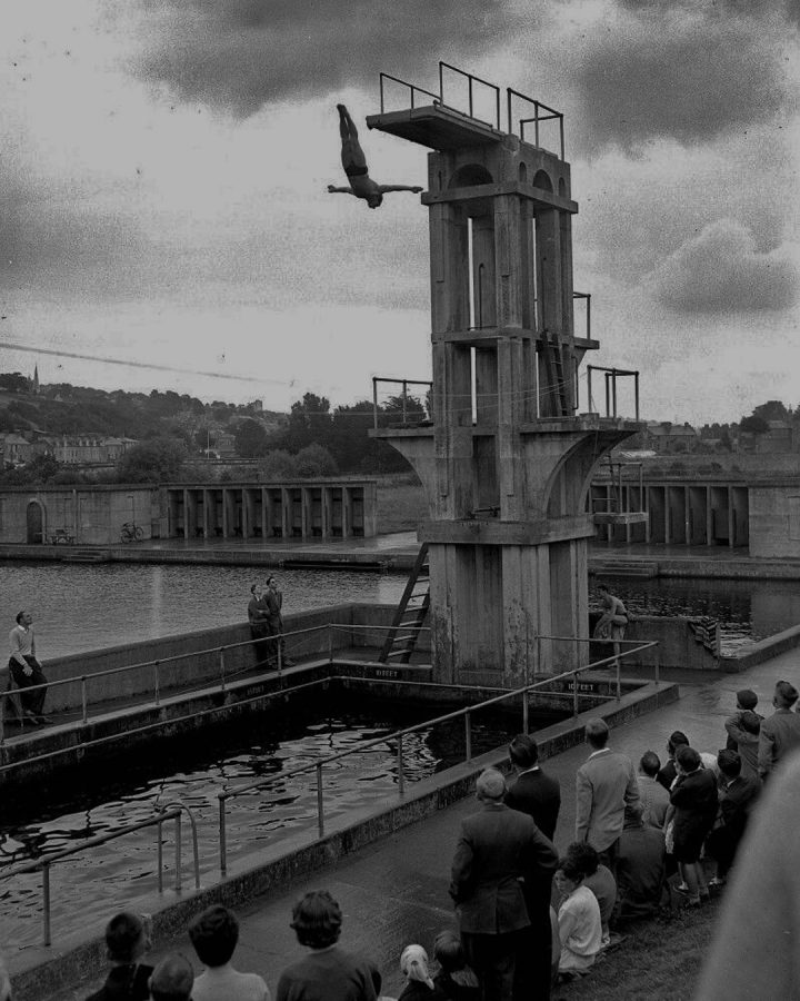 Diving, Lee Baths, Cork, 1950s (picture: Cork City Library)